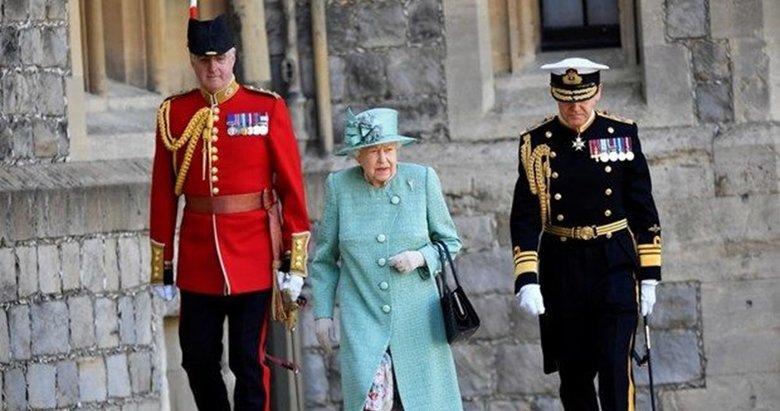 Kraliçe Elizabeth'ten ilanlı koruma! Doğa gezginleri, şatonun duvarında tuvalet ihtiyacını gideriyor!
