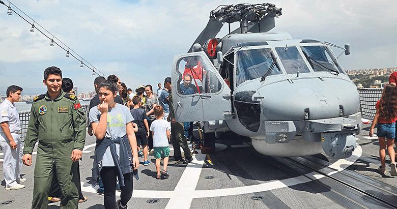 Donanma'ya ait 8 gemi ziyarete açıldı