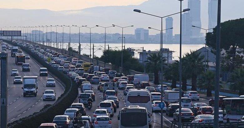 Trafik sorununa bakın nasıl çözüm buldu! Tunç Soyer İzmirlinin aklı ile dalga geçiyor