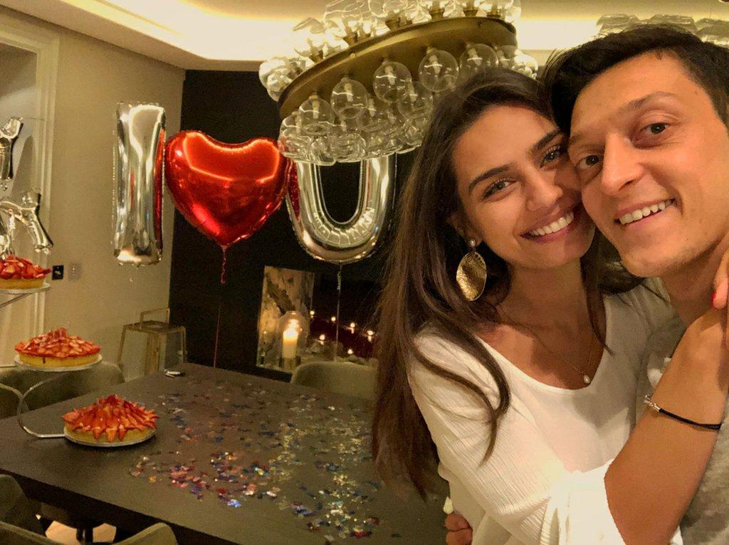 Mesut Özil ve Amine Gülşe'nin balayını geçireceği İzmir Çeşme'deki villa