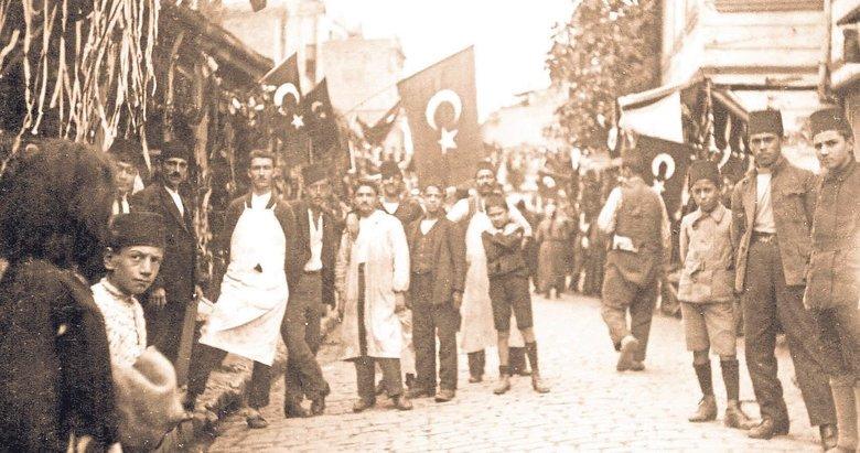 Büyük destan böyle yazıldı! İzmir'in kurtuluşunda neler yaşandı