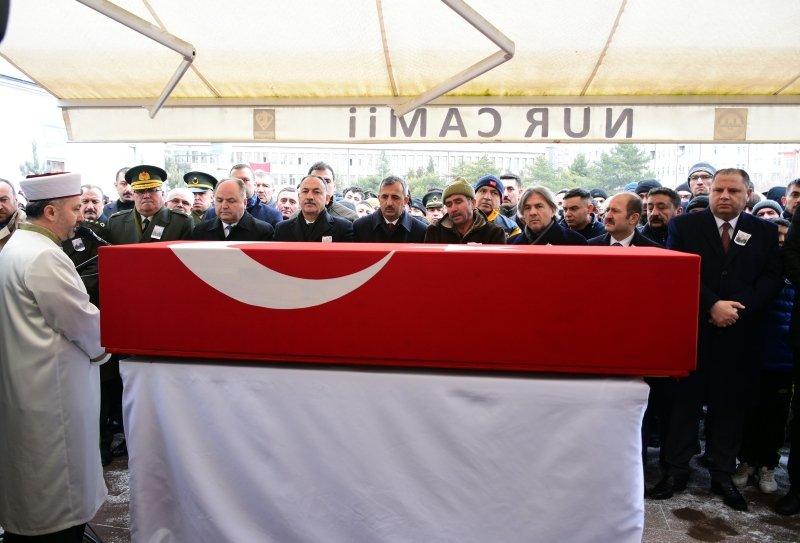 İdlib şehidi Uzman Onbaşı Davut Özcan son yolculuğuna uğurlandı