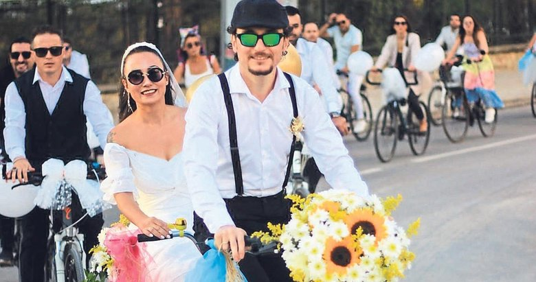 Böyle olur bisikletçi düğünü!