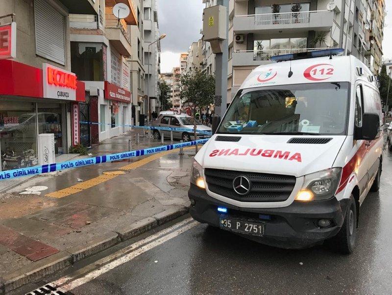 İzmir'de silahlı dehşet! Konak'ta gençlerin tartışma kanlı bitti