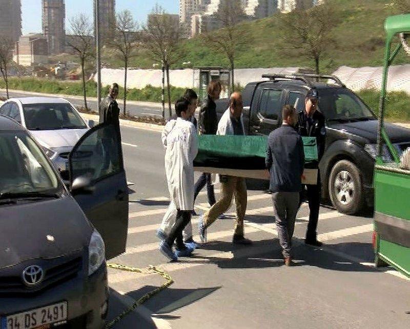 Araç içinde erkek cesedi bulundu