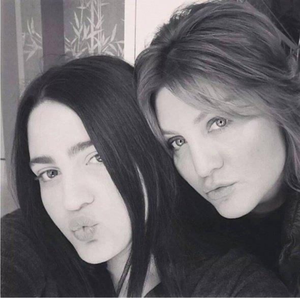 Sibel Can'ın kızı Melisa Ural yeni mesleği ile şaşırttı