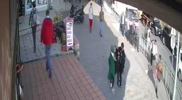 Karaköy'de başörtülü kıza saldıran kadının komşularına ve esnafa da terör estirdiği ortaya çıktı