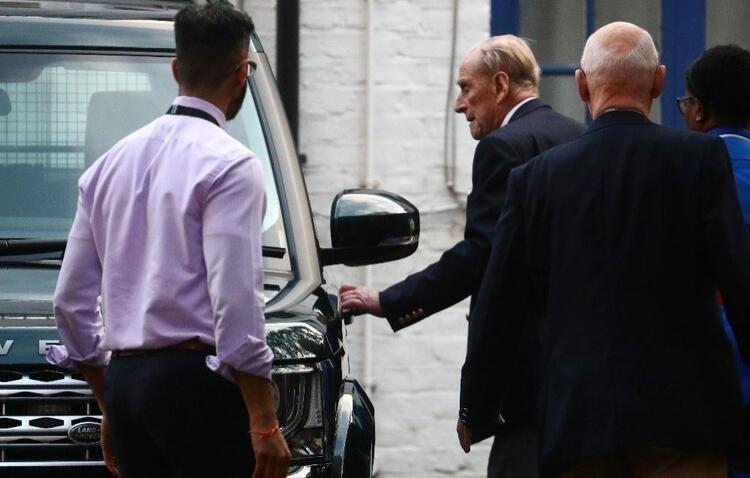 2. Elizabeth'in 98 yaşındaki eşi Prens Philip son görüntüsüyle şoke etti