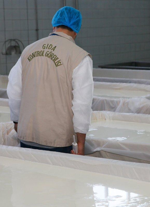 İzmir'de süt ve süt ürünleri işletmelerinde denetim!