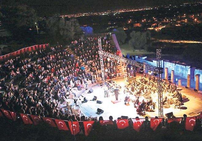 METROPOLİS'TE SANAT GECESİ