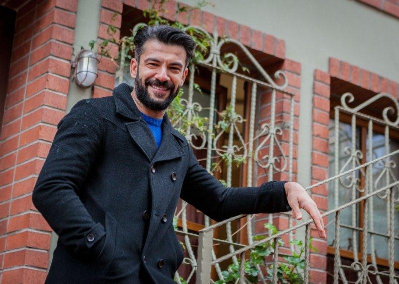 Bir Zamanlar Çukurova'nın Ercüment'i Rüzgar Aksoy'un kardeşi tanıdık çıktı
