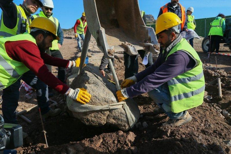 Menemen-Aliağa-Çandarlı Otoyolu'na tarihi dokunuş
