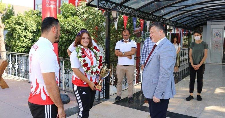 Demir Yumruk Fatma, Aydın'da coşkuyla karşılandı