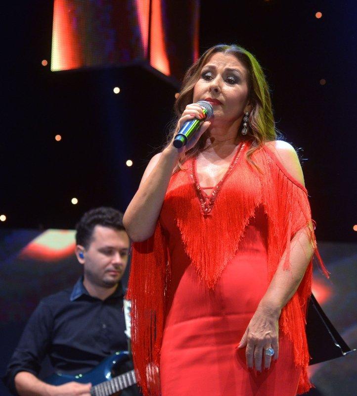 Şarkıcı Nilüfer'den üzen haber! Daha önce meme kanserini yenen Nilüfer...