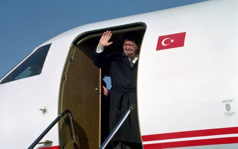 Turgut Özal vefatının 26. yılında anılıyor