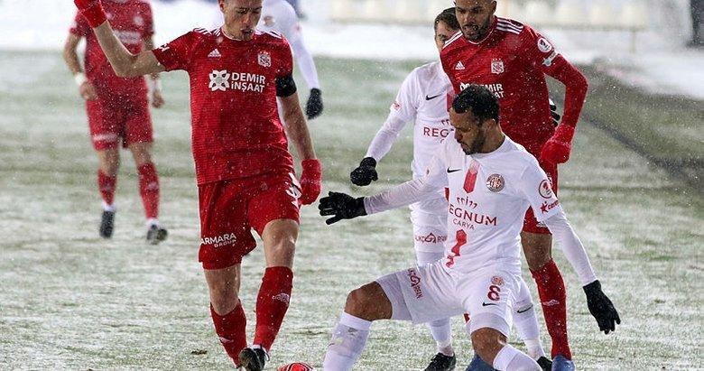 Antalyaspor ZTK'da yarı finale yükseldi