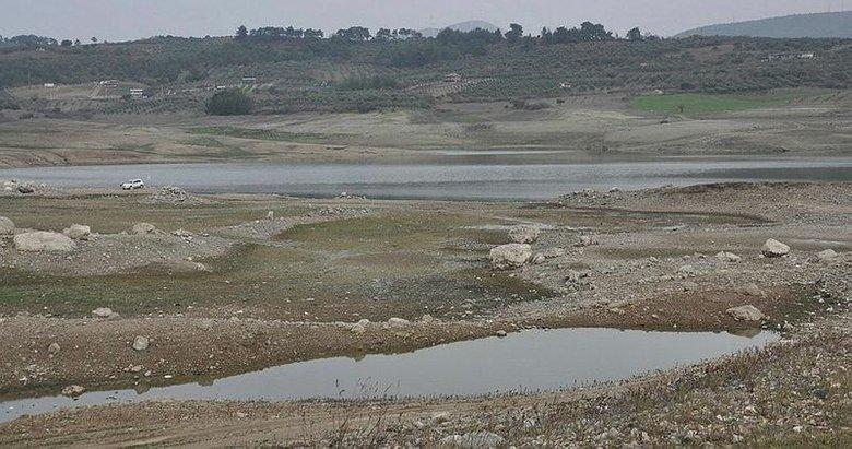 Sevişler Barajı'nda su seviyesinde büyük düşüş! Neredeyse tamamen kurudu
