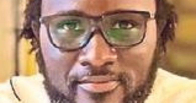 Senegalli aktivist Fall'dan Emmanuel Macron'a tepki