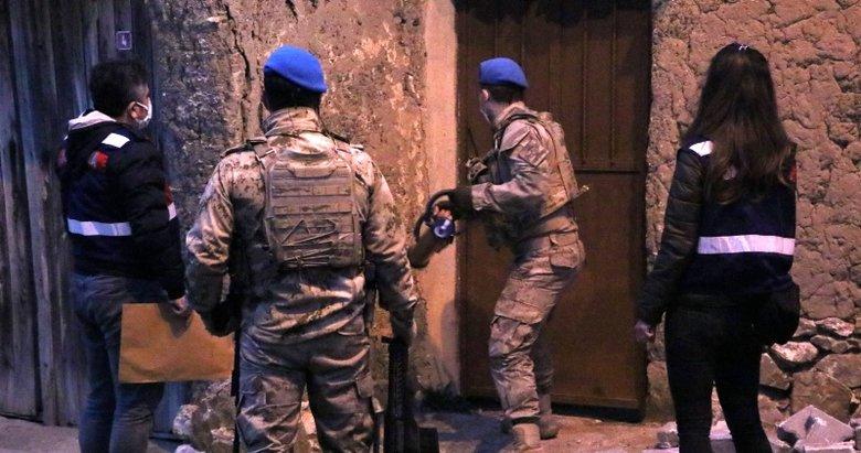 İzmir ve Manisa'da suç örgütüne komando destekli operasyonda 9 şüpheli yakalandı