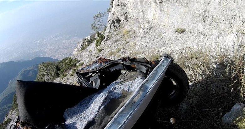 Arabaları buraya kim bıraktı? Manisa'da tam 1517 metre yükseklikte...