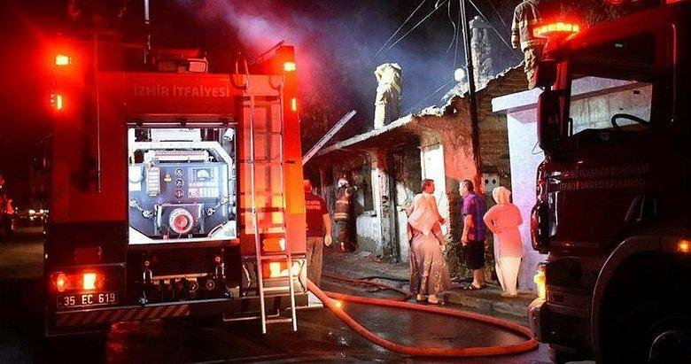 İzmir'de metruk evde yangın