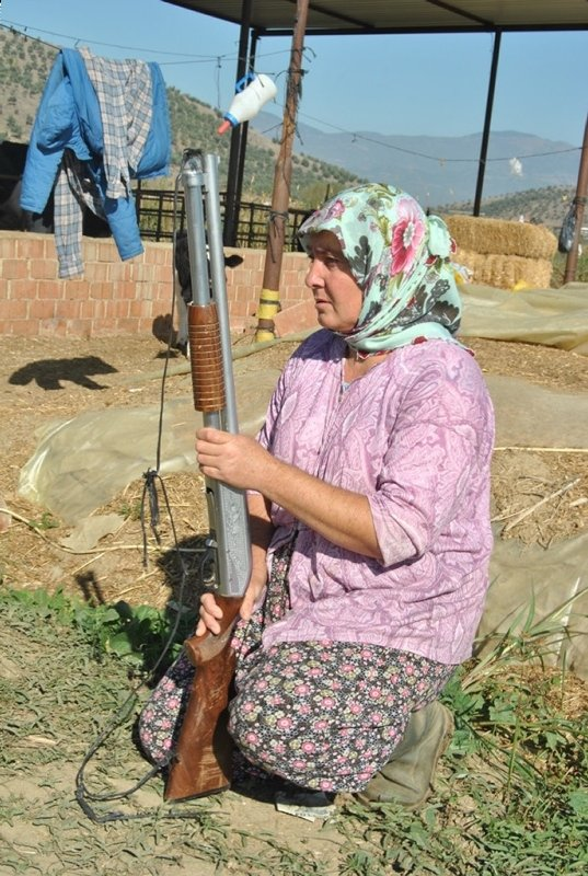 İzmir'de gergin bekleyiş! Korku içindeyiz! Saldırırsa insan dahi kurtulamaz
