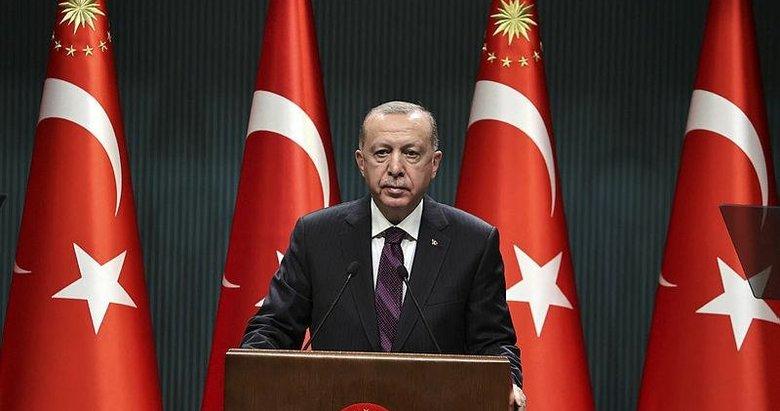 Başkan Erdoğan'dan Azerbaycan'daki Mehmetçik'e mesaj! Bakan Akar telefondan tüm salona dinletti...
