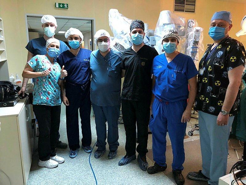 Araf bebek, mide çekme ameliyatı yapılan en küçük hasta oldu