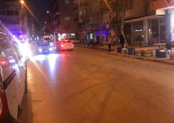 Depremde panik yaşayan vatandaşlar sokaklara döküldü