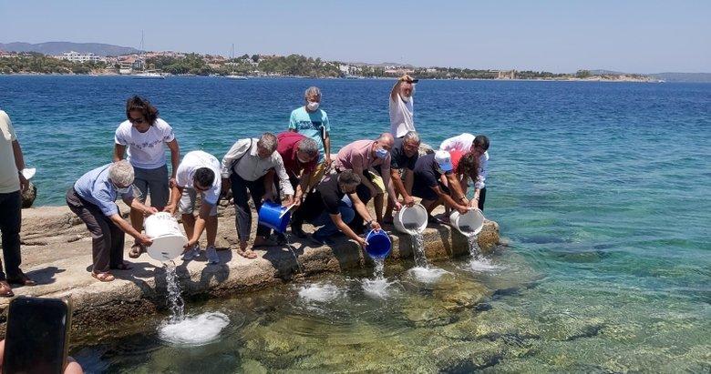 Datça'da denize 20 bin yavru levrek bırakıldı