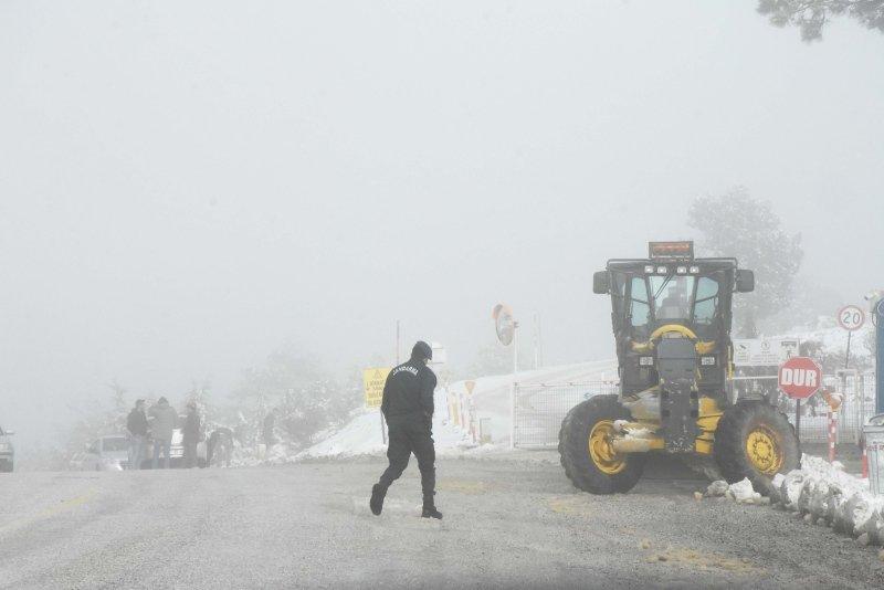Muğla'nın yüksek kesimlerine kar yağdı