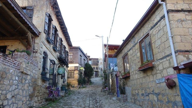 Çanakkale'deki bu köyde para vermeyen fotoğraf çekemiyor