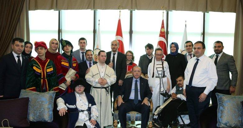 Başkan Erdoğan engellileri ağırladı
