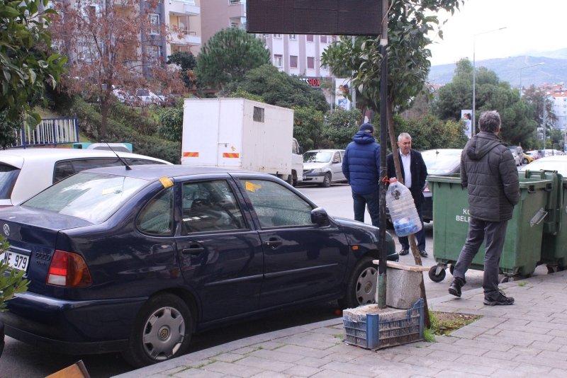 İzmir Karabağlar'daki silahlı saldırının şiddeti gün aydınlanınca ortaya çıktı! İzleri görünce bakakaldılar