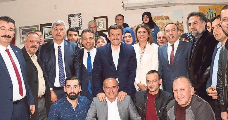 Hamza Dağ: İzmir'in sorunları bitecek siz yeter ki oy verin