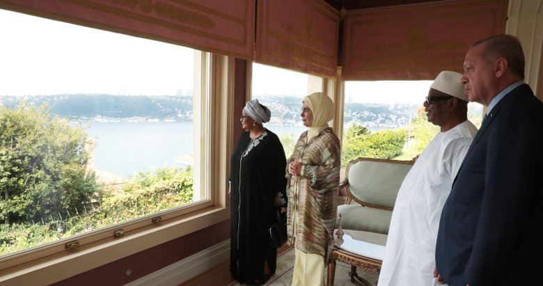 Vahdettin Köşkü'nde dikkat çeken kare! Başkan Erdoğan ve Mali Cumhurbaşkanı Keita Boğaz'ı birlikte seyretti