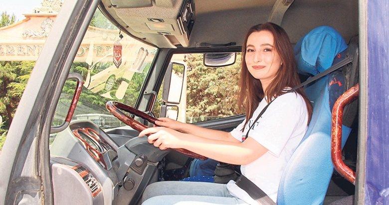 İtfaiyeci olmak için kamyon ehliyeti aldı
