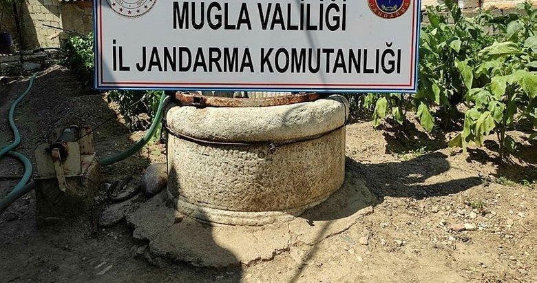 Evin bahçesinde Roma Dönemine ait tarihi sütun ele geçirildi