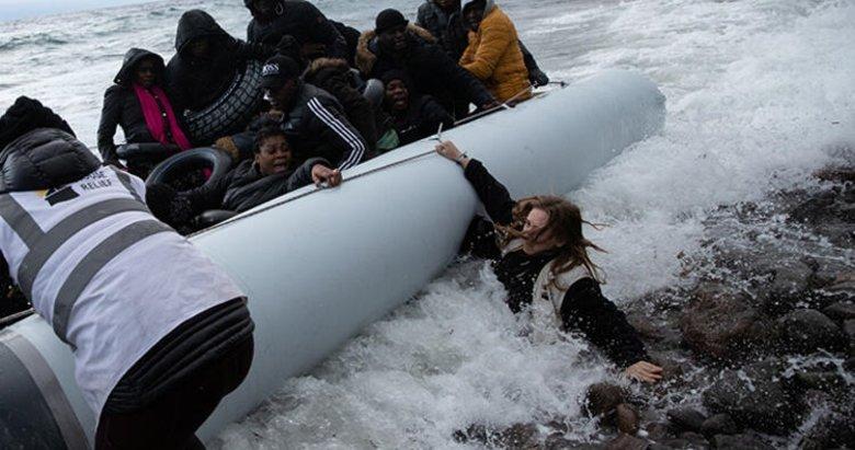 Göçmenler Midilli Adası'na çıkıyor! Ege'den son dakika görüntüleri...