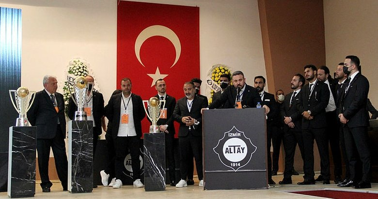 Altay'da kulüp başkanı Özgür Ekmekçioğlu güven tazeledi