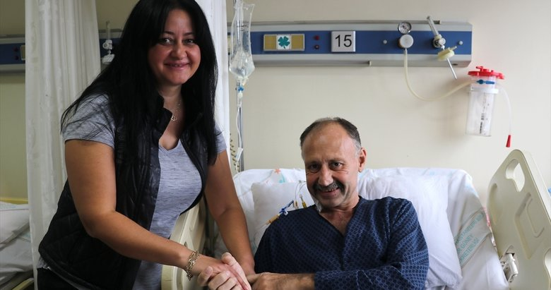 İzmir'de görenleri şok eden olay! Karın ağrısı şikayetiyle gitti 20 kilogramlık kitle çıktı