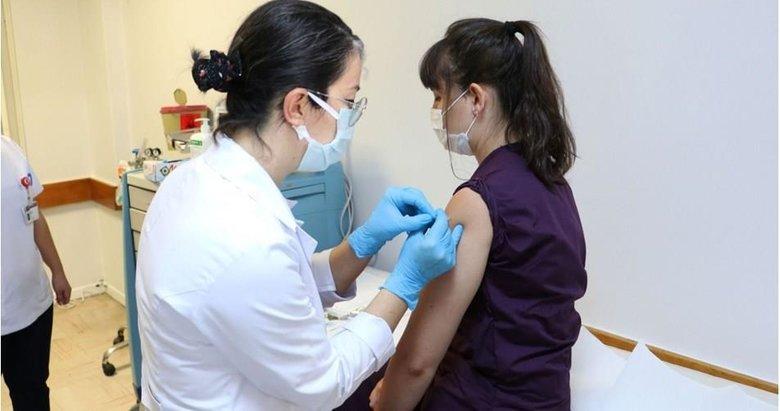 2 hafta sonra yapılmaya başlanacak, ilk aşıyı Sağlık Bakanı Koca olacak