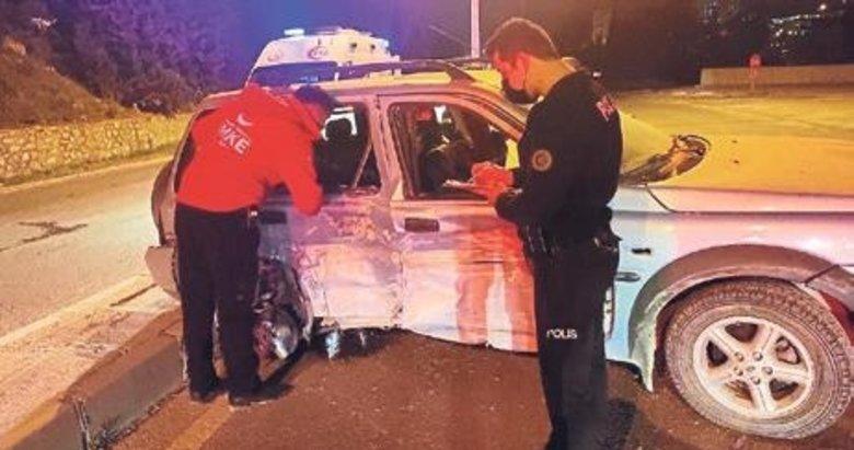 Alkollü sürücü polis noktasına daldı