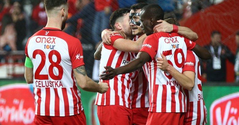 Antalyaspor: 3 - Kasımpaşa: 1 Maç sonu
