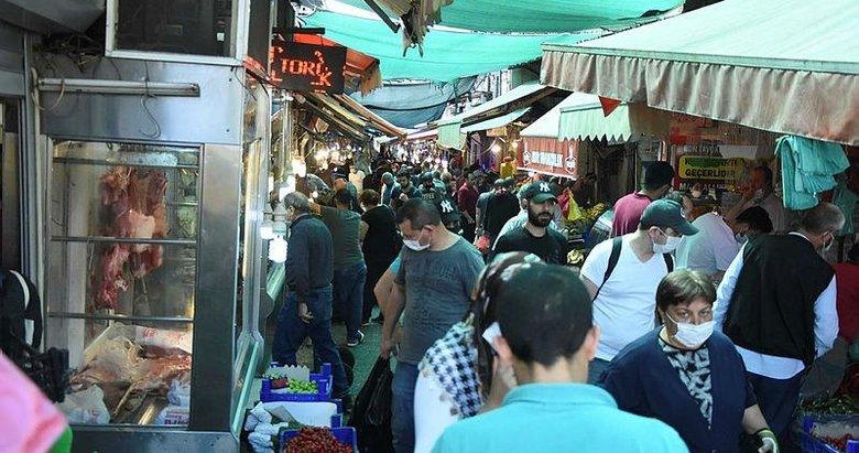 İzmir'de korkutan kalabalık! Havra sokağında bayram yoğunluğu