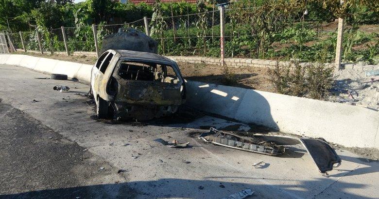 Uşak'ta korkunç son! Alev alan araç sürücüsü hayatını kaybetti