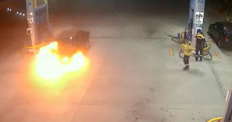 Akaryakıt istasyonunda alev alev yandı! Korku dolu anlar kamerada