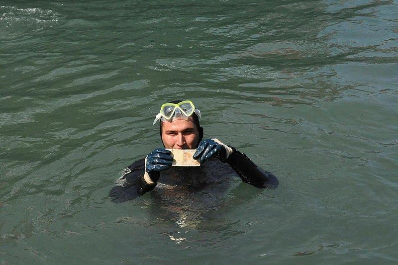 Ayvalık'ta deniz temizliğinden çıkanlar şaşırttı