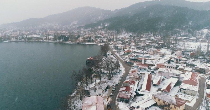 İzmir'de kar yağışı! Ödemiş ilçesi beyaza büründü