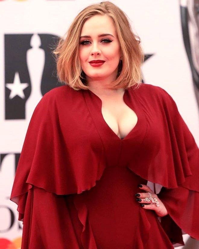 Fazla kilolarıyla hafızalara kazınan Adele 45 kilo verdi